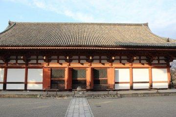 Kodo Hall in Toji, where Dainichi Nyorai is