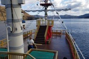Ahoy! Pirate ship going to Moto-Hakoneko and Hakone-Machiko