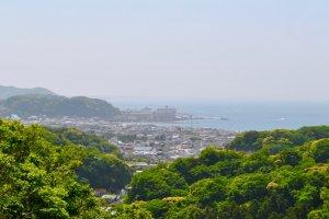 Kamakura as seen from the Daibutsu hiking trail
