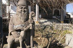 Jurojin, god of wisdom and longevity, at Myoryu-ji