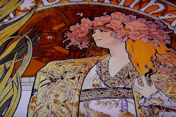 Mucha: Graphic Variety