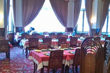 Inside Mitsui Club
