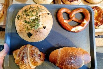 """BRING"" Bakery in Togatta Onsen"