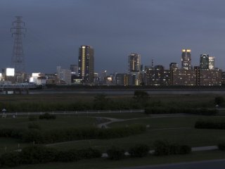 Watch as the city comes alive just after dark
