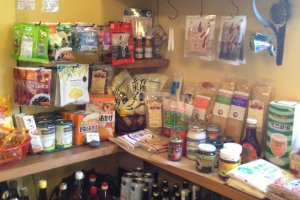 Shop with organic and natural foodstuffs