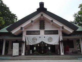 Chính điện