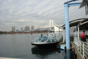 Himiko docked at Odaiba Seaside Park