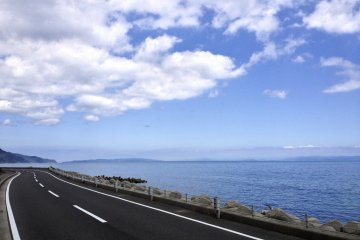 <p>Take a drive along Awaji&#39;s scenic coast.</p>