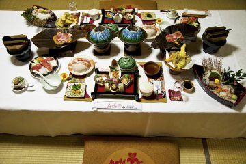 Special Kaiseki set dinners made with fresh local ingredients