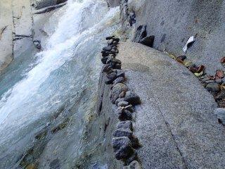Temporary stone piles