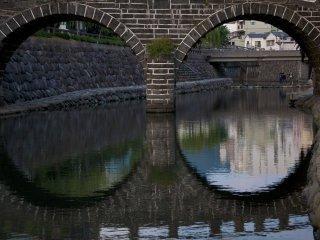Megane-bashi vu du côté droit de la rivière