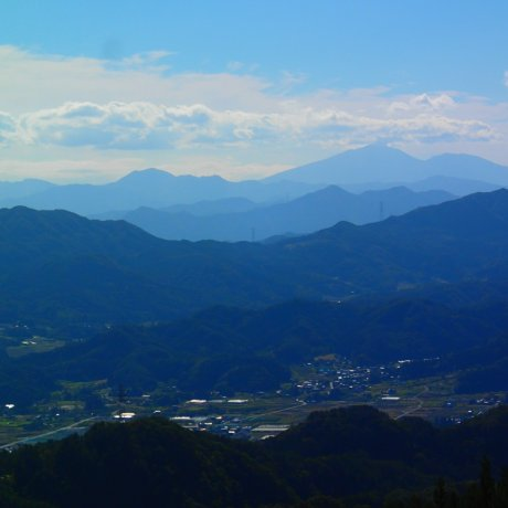 On top of Omine-san
