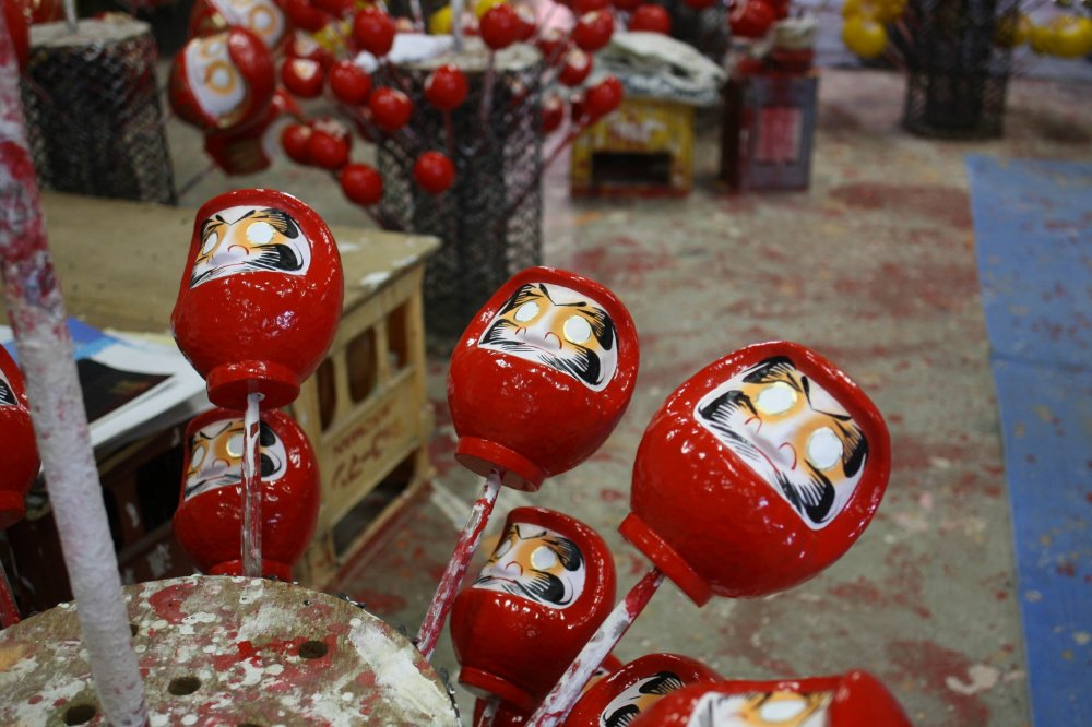 The mounds of Daruma dolls completed