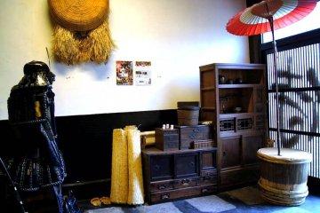 The Solemn Samurai keeps watch over Shishin Cafe