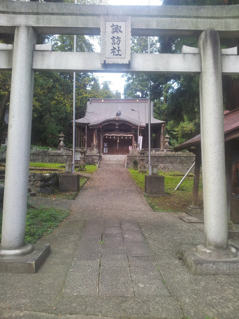 The path to the main shrine