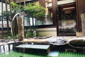 The top floor of Dormy Premium Inn has a pleasant balcony, a sauna and hot springs bath.