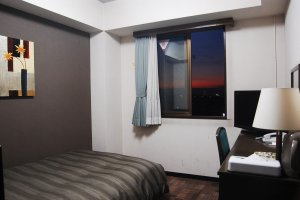 ห้องเดี่ยวของโรงแรมรูธ อินน์ อิเซซากิ