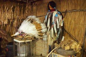 The full attire of an Ainu man.