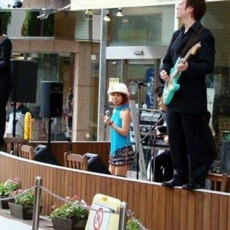 横滨偶遇歌手