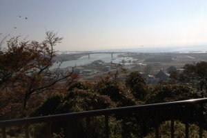 Hiyori-yama Park is known for its breathtaking views of the city and coastline.