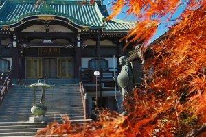 Kenpukuji Temple in Autumn