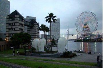 夜幕降临下的横滨