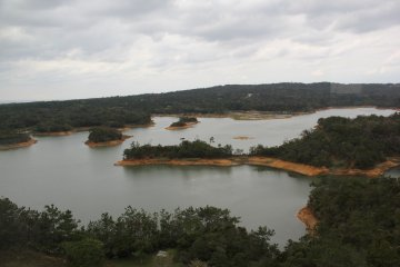 <p>Fingers and hilltops now appear as islands in the reservoir</p>