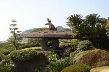 <p>โคมไฟศิลา ส่องสว่างด้วยก๊าซแห่งแรกในญี่ปุ่น สร้างตามตำราตะวันตก</p>