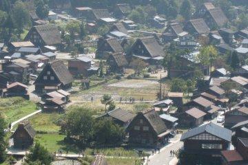 Vue de Rêve sur les Maisons Gasshō