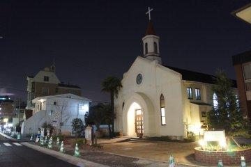 고베 침례교회의 야경