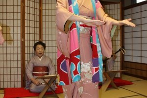 宮城県の民謡「斉太郎節」です。はっぴを着ての踊り