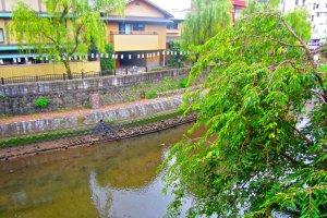 Sungai Matsukawa dari balkon Hostel