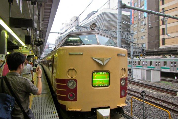 ขึ้นรถไฟมูนไลท์ เอชิโงะ