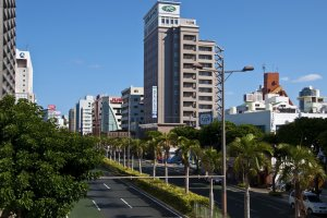 Hotel Route-Inn Naha Tomariko and the Maejima neighborhood during the day