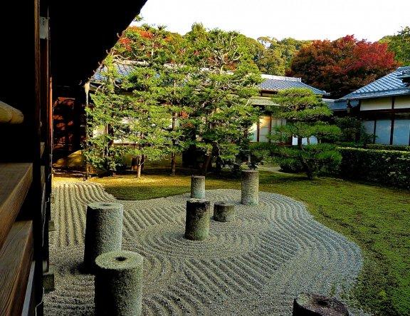 ฤดูใบไม้เปลี่ยนสีที่วัดโทฟุคุจิ