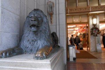 ライオンと天女