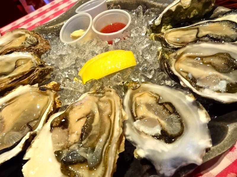 <p>Oyster Platter of Grand Central Oyster Bar &amp; Restaurant located in the&nbsp;Atre complex 4F of JR Shingawa Station</p>