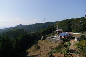 Between Mt. Takasashi and Mt. Monomi