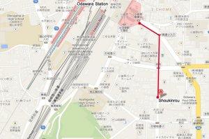 แผนที่มายังร้านโชคินโระ ซึ่งอยู่ระหว่างทางเดินจากสถานีโอดาวาระมายังปราสาทโอดาวาระ