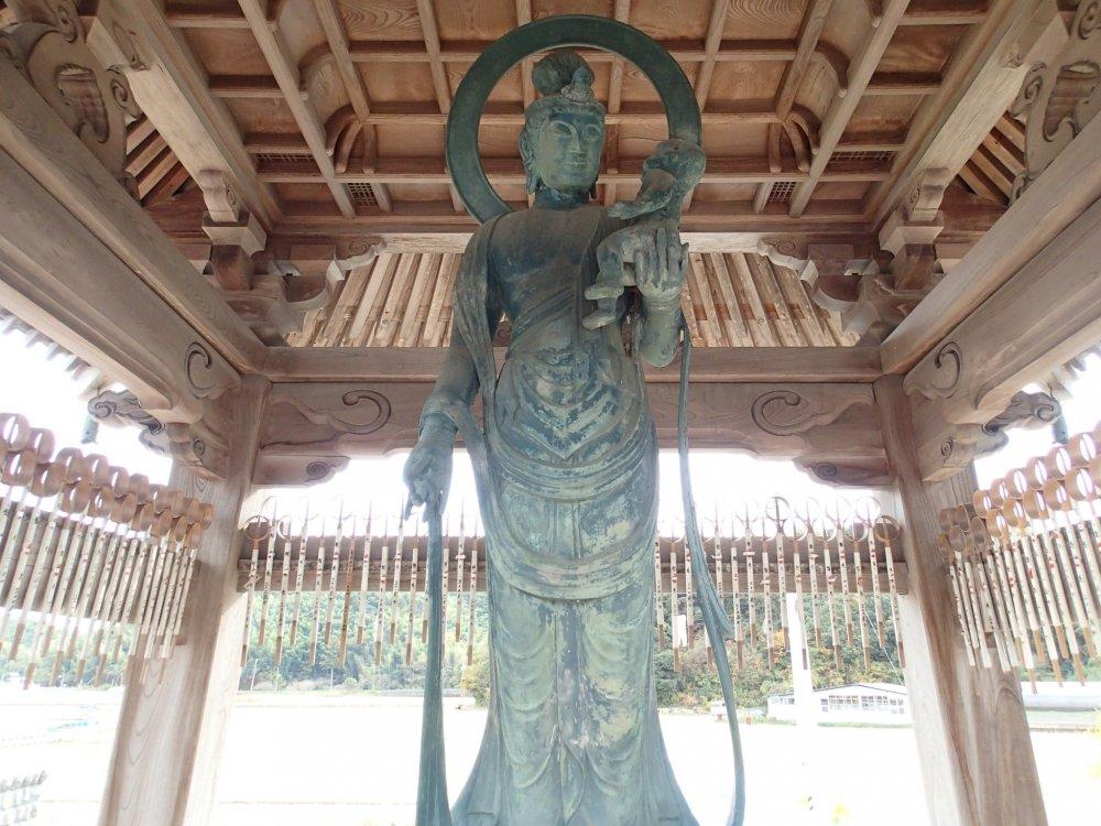 Miroku Bosatsu statue
