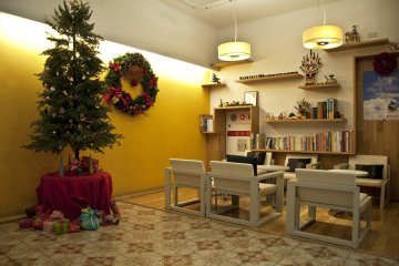 <p>Resting room with more Christmas decoration</p>