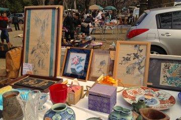 Antique Market at Yasukuni Shrine
