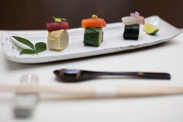 <p>A close-up of soba sushi, a Nagano specialty!&nbsp;</p>