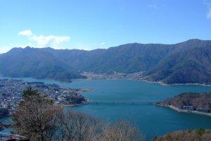 อีกมุมชัดๆของทะเลสาบคาวากุจิ