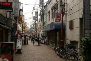 Tanuki-dori ถนนทานูกิในย่านอาซากุสะ
