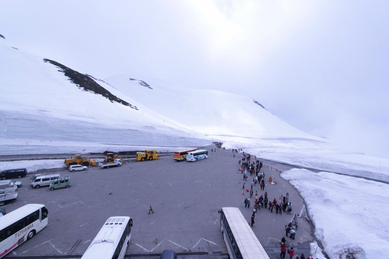 บริเวณรอบ Murodo ภูเขาที่ปกคลุมด้วยหิมะ สัมผัสบรรยายกาศหน้าหนาวท่ามกลางฤดูใบไม้ผลิ