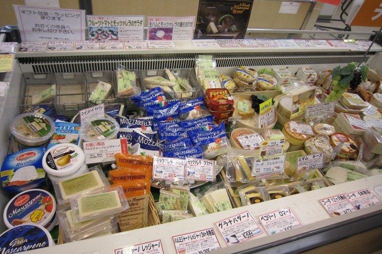 福井「西武デパート・チーズ売り場」