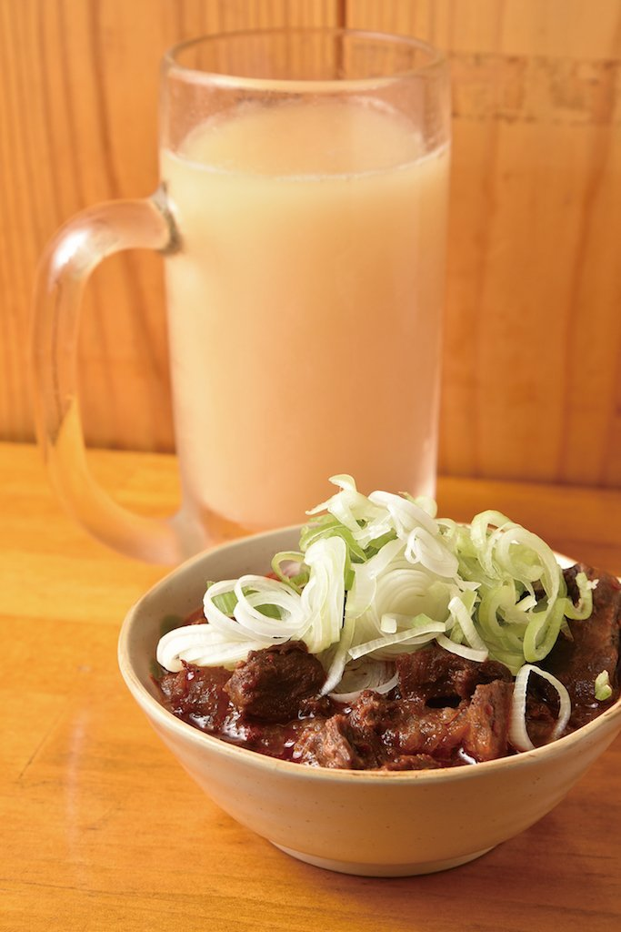 Beef Tendon Stew (¥500) (excluding tax) and Junnama Makko-bee (¥580) (excluding tax)